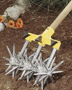 Gartenger�t zum Bodenlockern: Rollkultivator